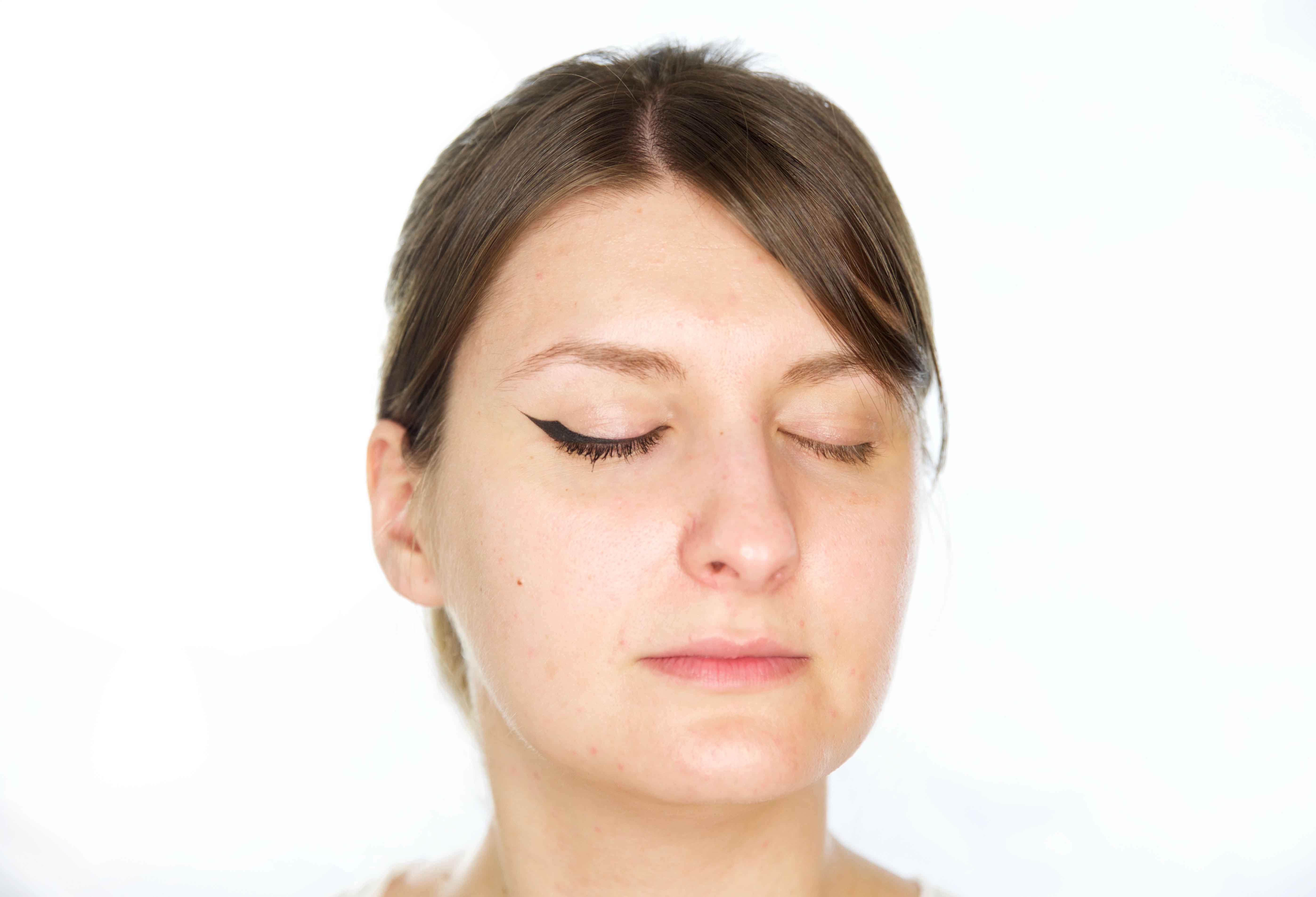 Eyeliner para párpados con pliegue o caídos